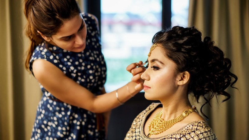 You-Must-Ask-Your-Bridal-Makeup-Artist-in-Delhi-Before-Booking
